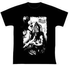 """Marilyn Manson R$ 35,00 + frete Personalizamos e estampamos a sua ideia: imagem, frase ou logo preferido. Arte final. Telas sob encomenda. Estampas de/em camisas masculinas e femininas (e outros materiais). Fornecemos as camisas ou estampamos a sua própria. Envie a sua ideia ou escolha uma das """"nossas"""".... Blog: http://knupsilk.blogspot.com.br/ Pagina facebook: https://www.facebook.com/pages/KnupSilk-EstampariaSerigrafia/827832813899935?pnref=lhc https://twitter.com/KnupSilk"""