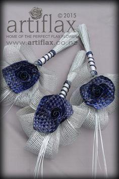 Navy woven flax flowers with authentic Hapene flax foliage. Flax bridal bouquet handmade in New Zealand by Artiflax Flax Weaving, Basket Weaving, Maori Patterns, Flax Flowers, Maori Designs, Nz Art, Maori Art, Flower Bouquet Wedding, Corporate Gifts