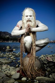 Naga Baba, photography by Martin Prihoda - A mysterious mystic Saddhu that live alongs the holy Ganges river in Hardwar & Rishikesh, in the foothills of the majestic Himalayas. Powerful, these holy men can cast magical spells, both healing & destructive. We Are The World, People Around The World, Foto Picture, Tier Fotos, Foto Art, Ansel Adams, World Cultures, Belle Photo, Mystic