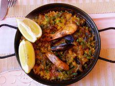 Paella cu salsa picantă Paella, Seafood, Ethnic Recipes, Sea Food, Seafood Dishes