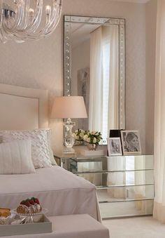 Elegant bedroom design decor with the new pantone color of the year: the rose quartz #homedecorideas #interiordesign #bedroom luxury homes, bedroom ideas, luxury design . See more inspirations at homedecorideas.eu/