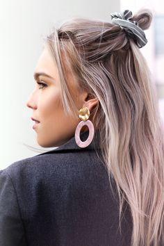 Roze ovale oorhangers, My Jewellery Best Sellers, Hanger, Hoop Earrings, Hair Styles, Outfits, Jewelry, Fashion, Hair Plait Styles, Moda