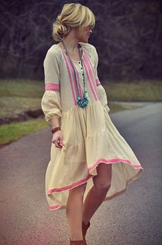 hippie/gypsy/boho fashion | Repinned from All things Bohemian by Tonya Williams