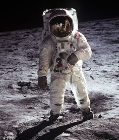 Apollo Moonwalk2 - Space suit - Wikipedia, the free encyclopedia