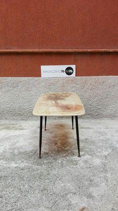Tavolino da caffe anni 60 Zampa a spillo piedini in ottone e piano in resina efetto finto marmo. Buone condizioni generali Misure 70x40x45h #magazzino76 #viapadova #Milano #nolo #viapadova76 #M76 #modernariato #vintage #design #industrialdesign #industrial #industriale #furnituredesign #furniture #mobili #marmo #zampeaspillo #modernfurniture #antik #antiquariato  #divani #tavolino #anni60 #coffeetable