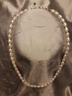 Colier perle 50 de lei - Predare personala Cluj Napoca Lei, Pearl Necklace, Chain, Jewelry, Bead, String Of Pearls, Jewlery, Beaded Necklace, Bijoux