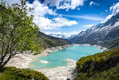 Wanderung um den Göscheneralpsee | Ferienregion Andermatt Andermatt, Places To Travel, Places To Go, Swiss Travel, Next, Switzerland, Flora, Traveling, Hiking