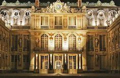 Versailles France :: Château de Versailles :: Cour de Marbre √