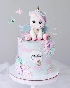 Cute unicorn cake, unicorn and pastel butterflies Cute Cakes, Pretty Cakes, Beautiful Cakes, Amazing Cakes, Fondant Cakes, Cupcake Cakes, Torta Baby Shower, Bolo Cake, Baby Birthday Cakes