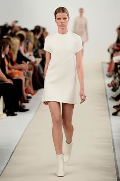 f78c10a6a Fashion on the Couch: Valentino Haute Couture Spring/Summer 2015 New York