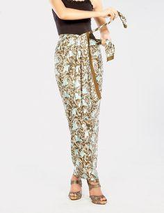 How to wear a batik sarong