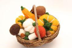 Ein Körbchen voll Herbst.... von Das-FilzStuermchen auf DaWanda.com