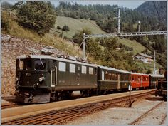 The RhB Ge 4/4 I 601 Albuala arrives with its express train 550 from St. Moritz to Chur in Filisur. 20 August 1984