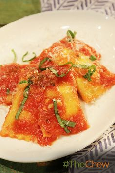Make your dinner gourmet in no time with these Ricotta Ravioli with 3-Minute Marinara!