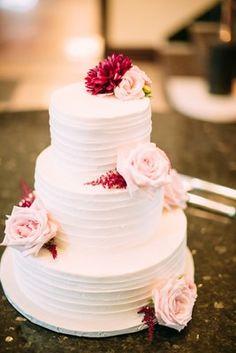 Chic Missouri Country Club Wedding , Wedding Real Weddings Gallery by WeddingWire Real Weddings 49
