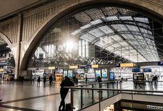 Warten ... #thisisleipzig #leipzigliebe #leipzigtravel #travel #bahnhof #trainstation #architecture #thisissaxony #simplysaxony #sogehtsaechsisch #ig_leipzig #zug #train #streetphotography