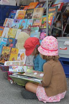 näkymä kirjakaupan edestä www.taikakattila.blogspot.com