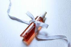letters&beads-diy-beauty-rosenwasser-wasser-glas Makeup Trends, Makeup Inspo, Make-up-tipps Und Tricks, Diy Beauty, Beauty Hacks, Night Makeup, Body Lotion, Diy And Crafts, Diys