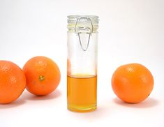 Why spend good money on something you can make at home? Gather those orange peels and make homemade orange oil and save! How To Make Orange, How To Make Oil, Making Essential Oils, Orange Essential Oil, Making Oils, Cleaners Homemade, Diy Cleaners, Household Cleaners, Orange Peels Uses