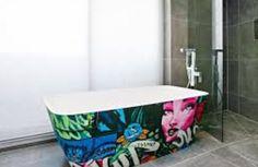 "Graffiti bathtub from ""the block"""