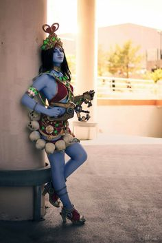Symmetra from Overwatch Cosplayer: Daisy Cosplay Photographer: Miradel Overwatch Xbox, Heroes Of The Storm, Epic Cosplay, Widowmaker, Sci Fi Characters, Halloween Costumes, Punk, Daisy, Geek Culture