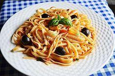 Paste cu rosii si masline Pizza Lasagna, Pasta Recipes, Cooking Recipes, Ethnic Recipes, Food, Salads, Meal, Cooker Recipes, Essen