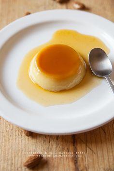 Crème caramel al latte di mandorla / with almond milk Flan, Panna Cotta, Sweet Light, Vegan Cheesecake, Veggie Recipes, Veggie Food, Almond Milk, Good Food, Veggies