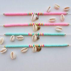 Bekijk dit item in mijn Etsy-shop Bracelet katsuki beads handemade beading beaded bracelet shellbracelet Bead Jewellery, Beaded Jewelry, Beaded Bracelets, Beads To Make Bracelets, Leather Jewelry, Beaded Anklets, Beaded Choker, Seashell Jewelry, Cute Jewelry