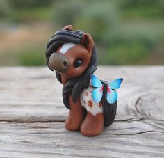 Genuine and original polymer clay sculpture designed and handmade with love by Elisabete Santos Polymer Clay Kawaii, Sculpey Clay, Polymer Clay Figures, Polymer Clay Sculptures, Polymer Clay Animals, Polymer Clay Charms, Polymer Clay Creations, Sculpture Clay, Polymer Clay Art