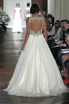 21 wedding dresses with beautiful backs (click through for more!)
