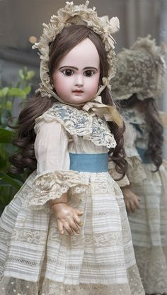 Французская Кукла Jumeau bebe с закрытым ртом, высота 62 см - на сайте антикварных кукол.