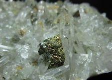 Chalcopyrite cluster on Quartz