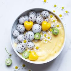 Alpha Foodie | citrus mango smoothie bowl