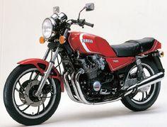 バイクやメカもの好きなデザイナー『メカガジラ』の目線をフォトブログで。
