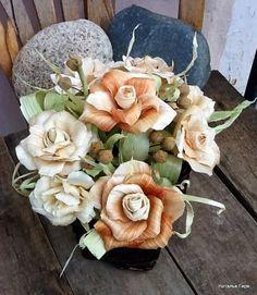 Розы из листьев кукурузы