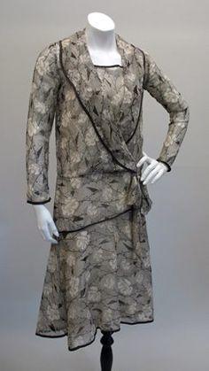 Late 1920s Flapper Black & White Print Dress