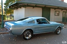 Nothing brings back the sixties better than a first generation Mustang! And this beautiful 1965 does it in style. Finished in the correct SIlver Blue. Mustang Old, Blue Mustang, Ford Mustang Fastback, Classic Mustang, Ford Classic Cars, Ford Mustang Shelby, Shelby Gt500, Blue Bodies, Pony Car