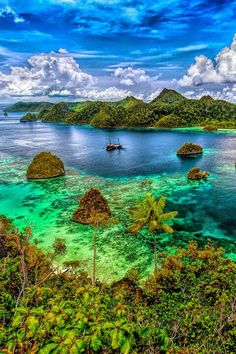 The most beautiful exotic archipelag in Indonesia Amazing Photography, Landscape Photography, Travel Photography, Water Photography, Portrait Photography, Beautiful World, Beautiful Places, Beautiful Pictures, Places To Travel