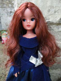 Vintage Pedigree Sindy. Re-rooted in Rosewood Saran. OOAK Pre-Raphaelite style dress in Faux Blue velvet & silk. For sale on ebay May 2014. Seller: cammy12jade.
