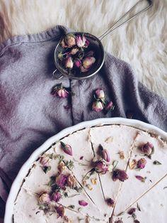 Lemon - coconut vegan cheesecake