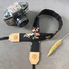 Camera Strap DSLR and Mirrorless Camera Strap -Made in Thailand ❤️ Concept of Candy Leather Strap - Soft and Comfort on your neck - useful and never cut your neck - Colorful and fun  This fashionable camera strap is a 3 part design of colorful fabric, nylon webbing and soft, supple leather. The fabric and nylon keep the strap from being too heavy. This camera strap can hold every camera, from small point-and-shoots to large DSLRs.   ====Size & Measurements  Designer f...
