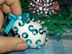 Easy Sequin Easter Egg #Craft for Kids  I  love sequins and easter and this is so easy and fun