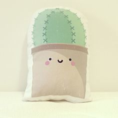 Adorable smiling cactus cushion handmade with love from Bilbao. Sweet and perfect for home (living room, bedroom, nursery or kids room). Kawaii, Cactus Cushion, Pillow Inspiration, Cushions, Pillows, Tropical, Planting Succulents, Home Living Room, Silhouette Cameo