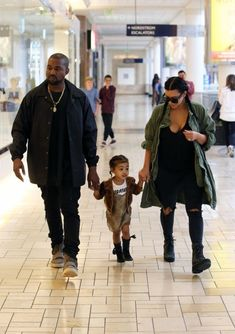Kim Kardashian Photos - Kim Kardashian And Kanye West Take North To A Birthday Party - Zimbio