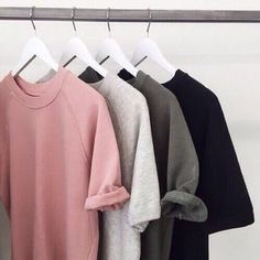 O estilo minimalista O estilo minimalista, ein mudan de comportamento sobre . Packing Clothes, Gris Rose, Clothing Photography, Plain Shirts, Back To School Outfits, Pink Summer, Fashion Outfits, Womens Fashion, Teen Fashion