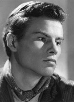 Horst Buchholz Male Movie Stars, Old Film Stars, Hollywood Men, Hollywood Stars, Handsome Actors, Handsome Man, Hero Movie, Star Wars, Black And White