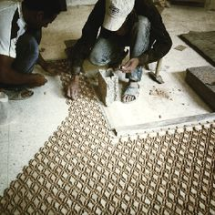 How to assemble Moroccan Zellige pieces