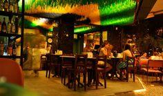 Academia da Cachaça, uno de los bares mas populares en Rio.