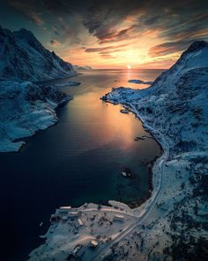 Spectacular Mountain Landscape Photography by Max Rive #inspiration #photography