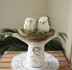 These are the cutest birds! Google Image Result for http://redlightstudio.typepad.com/photos/wedding_cake_toppers/birch-4.jpg